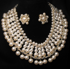 Pearl Collar and Earring Set