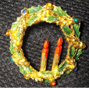 Wreath Pin with Candles
