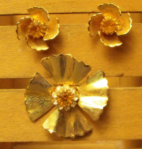 Topaz Golden Petal Brooch & Earrings