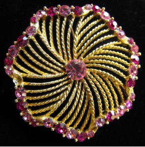 Lisner Pink Flower Pin